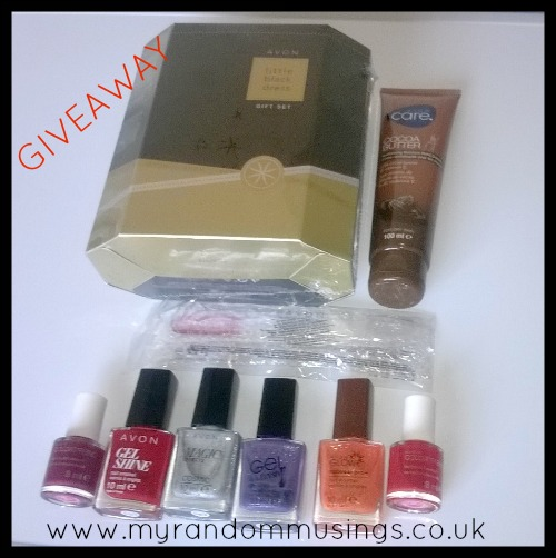 #Giveaway - Perfume and Nail Wear Avon Bundle